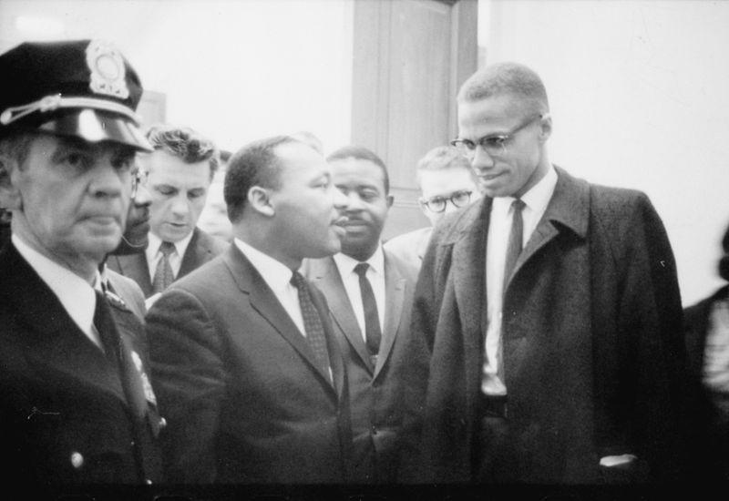 King con Malcolm X, prima di una conferenza stampa, 26 marzo 1964