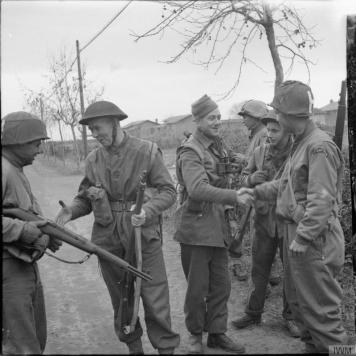 inglesi_americani1944Italia