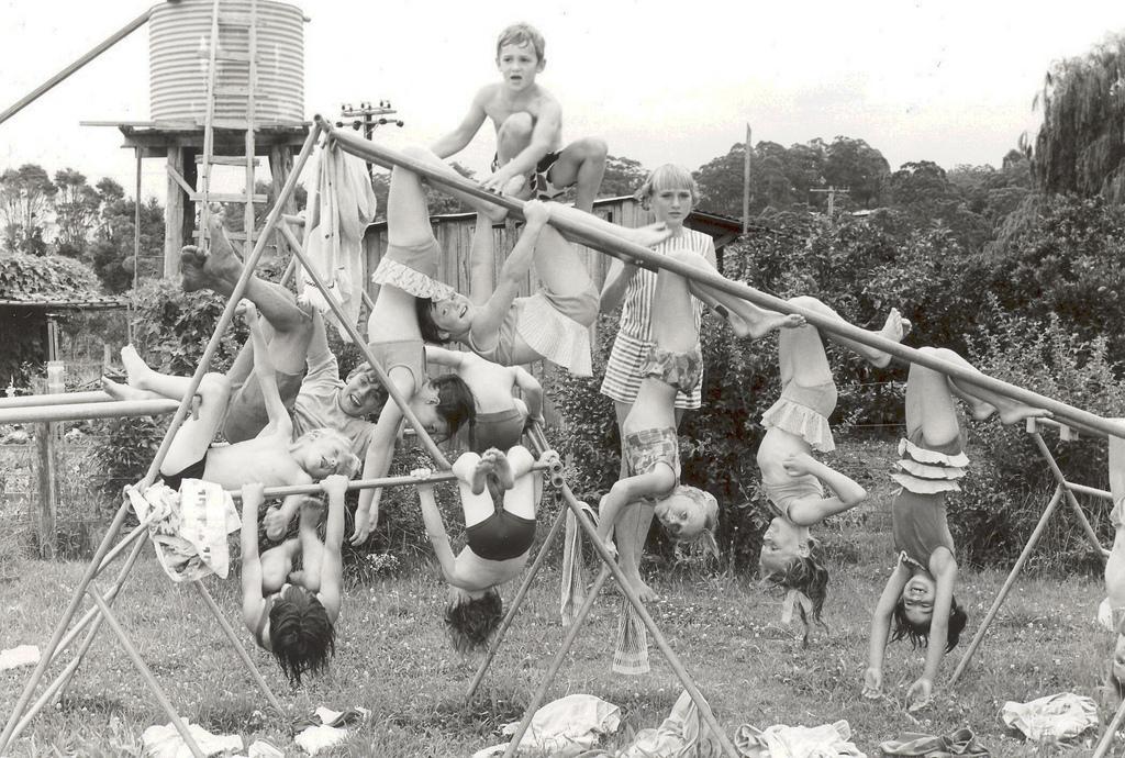 Kids on monkey bars Lisarow Public School Gwen Dundon photograph GCL